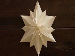 Weihnachtsterne aus Papier